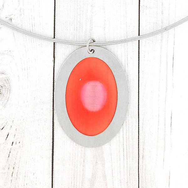 Online shopping for handmade resin pendant with cat eye bead peant stretchable choker. A great gift for you or your girlfriend, wife, co-worker, friend & family. Wholesale at www.lavishy.com with many unique & fun fashion accessories.