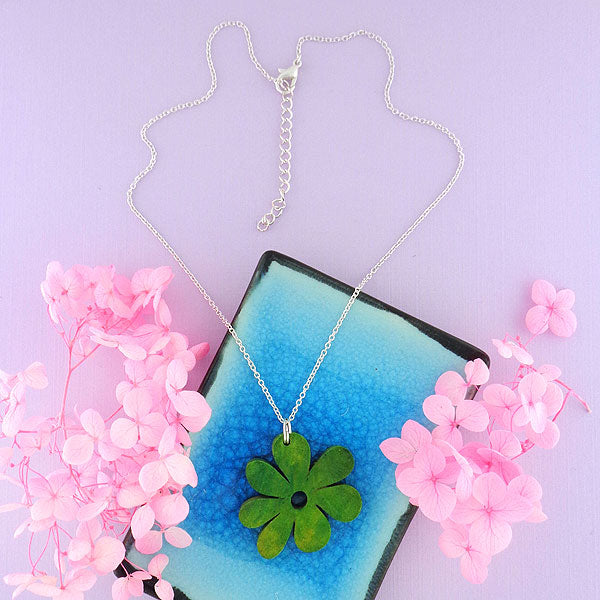 SNW012: Handmade flower wood pendant necklace
