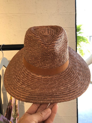 Straw Hat Nutmeg