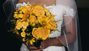 Aurora & Jonathon's Vibrant Yellow Wedding Flowers