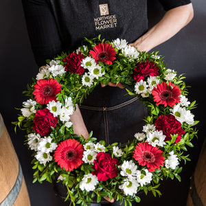 MEDIUM RED & WHITE WREATH 36cm