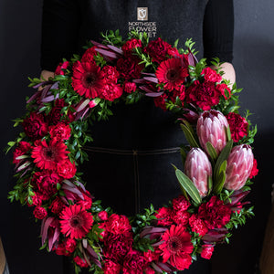 LARGE RED WREATH W/ NATIVE FEATURE 42.5cm