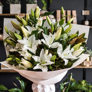CORPORATE LILY BOUQUET