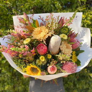 DESIGNER FRONT FACING BOUQUET