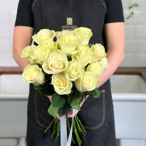 LONG STEM ROSE BOUQUET
