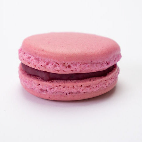 Raspberry delight macaron flavour close up