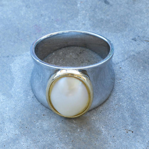 """Illumination"" Oval Mabe Pearl Yellow Gold and Sterling Silver Ring - Révélations Boutique"