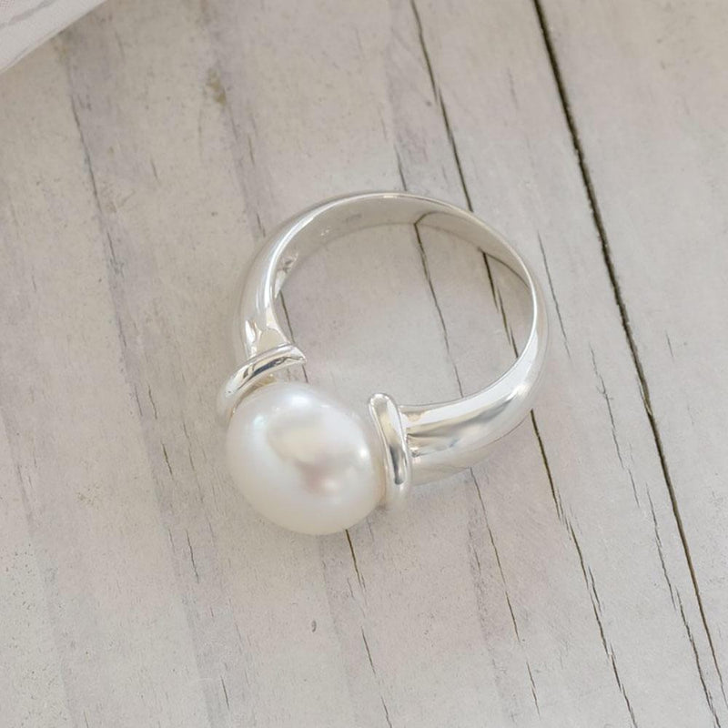 """Megan"" Freshwater Button Pearl Sterling Silver Ring - Révélations Boutique"