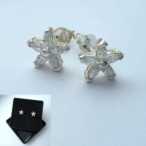 925 Sterling Silver Cubic Zirconia Star Studsby Beginnings (Boxed) - Charming And Trendy Ltd