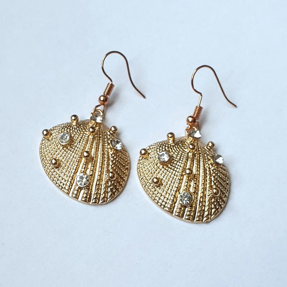 Gold Shell Metal Earrings with clear Diamantes - CT9038
