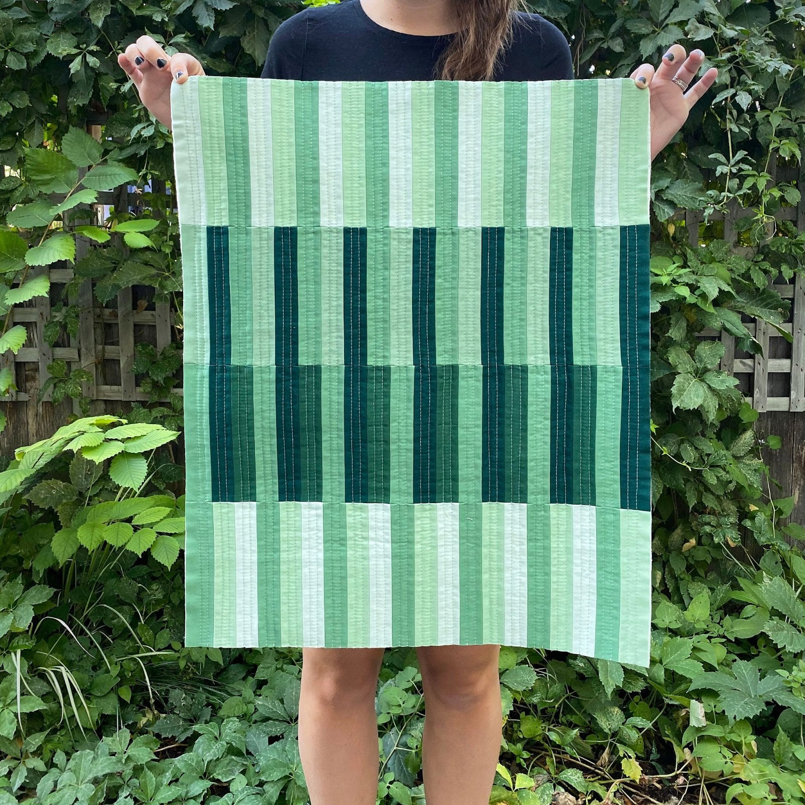 Green Birch Point Wall Hanging