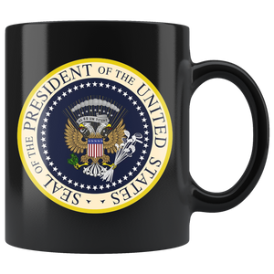 Fake Presidential Seal Mug 45 ES UN TITERE - Anti Trump
