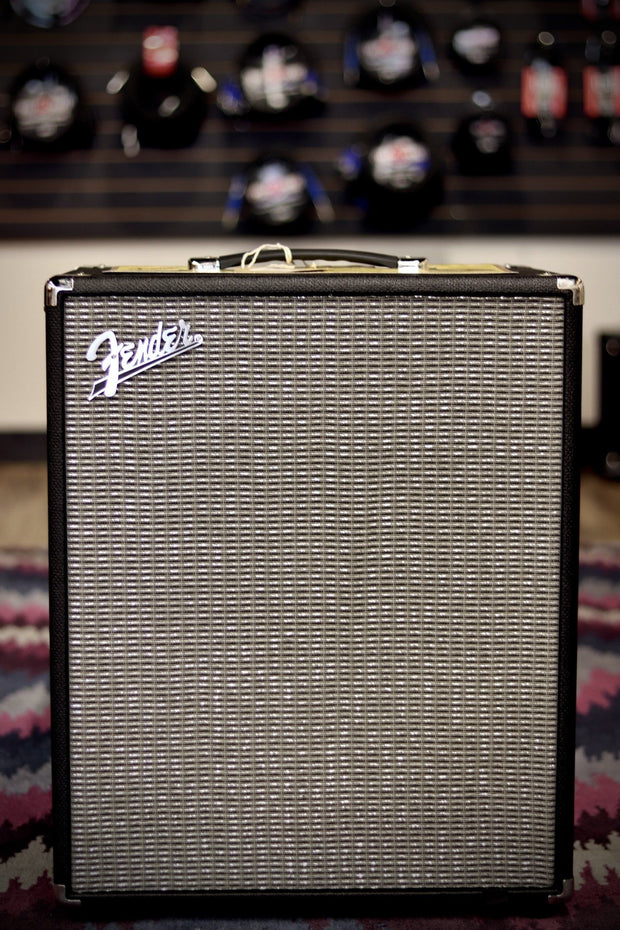 "Fender Rumble 200 1x15"" 200-watt Bass Combo Amp Amplifier Fender"