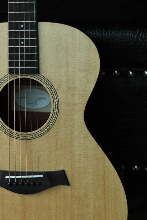 Taylor Academy 12e Acoustic-Electric Guitar - Natural Acoustic Guitar Taylor