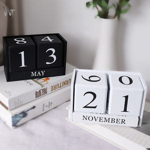 Creative Wooden Calendar Table Display