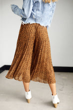 Load image into Gallery viewer, Asher Margaret Palazzo Cheetah Pants
