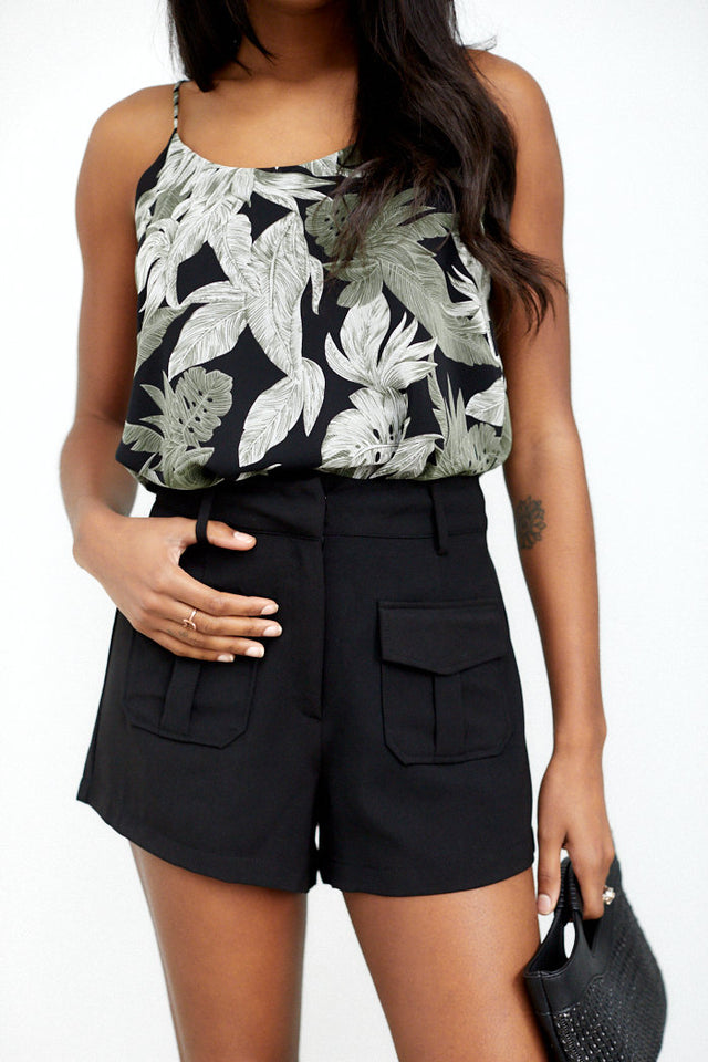 Elizabeth Pocket Detail Shorts