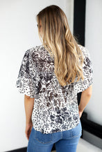 Load image into Gallery viewer, Dash Print Short Sleeve Top