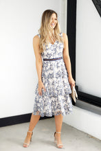 Load image into Gallery viewer, SALE - Rennes Tiered Lace Midi