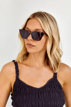 Load image into Gallery viewer, Benita Sunglasses