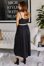 Load image into Gallery viewer, Luna Pleated Maxi Dress