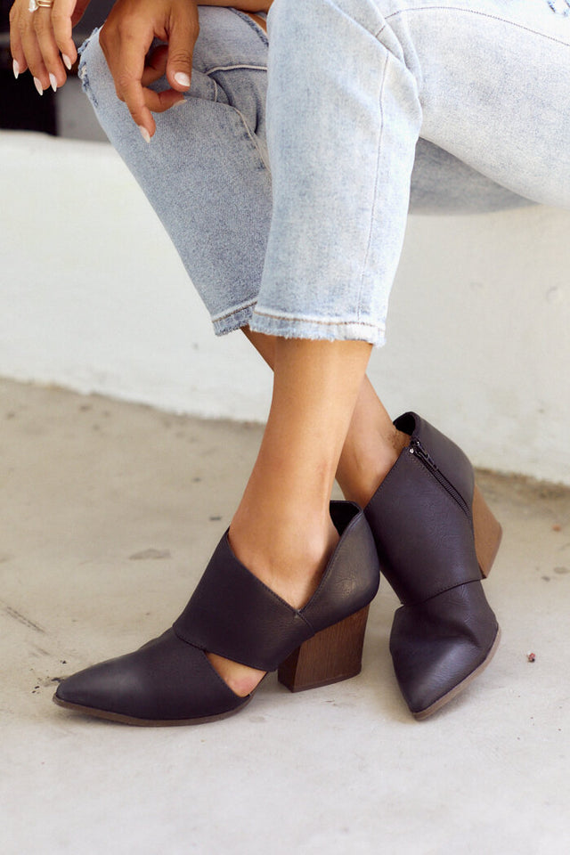 Vana Cut Out Bootie