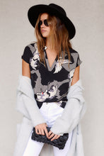 Load image into Gallery viewer, Zimmie Crane Print Blouse