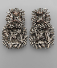 Load image into Gallery viewer, Beaded Square Earrings