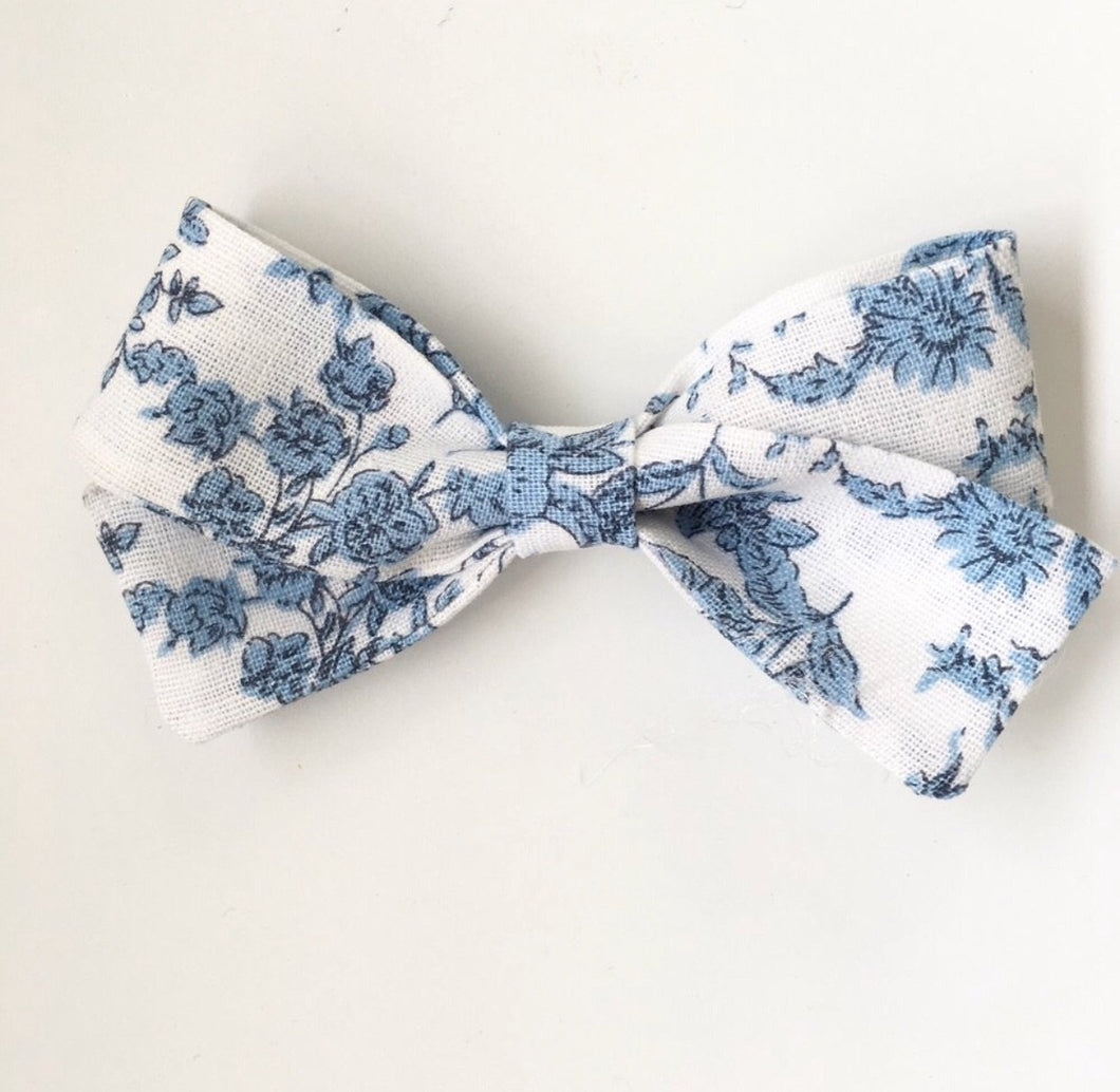 Bluebell Sunday bow