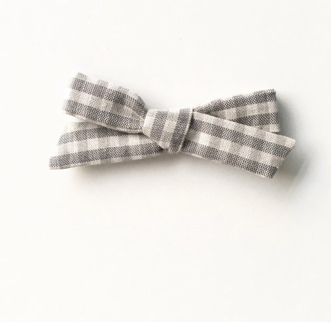 Grey gingham classic bow