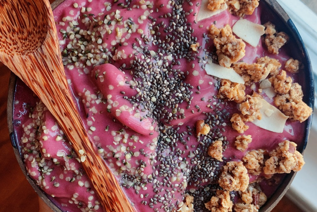 EMILY'S STRAWBERRY BANANA SMOOTHIE BOWL