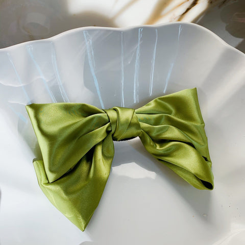 Bow green with Hair Clip Fastener at Born In The Sun - Borninthesun