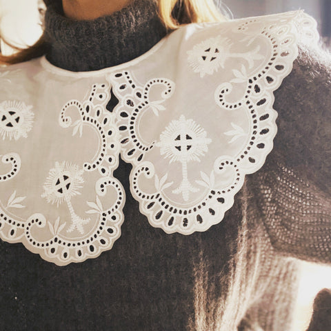 Broderie Anglaise Collar