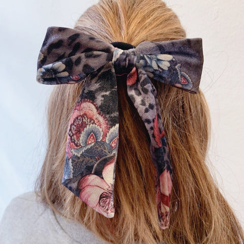 Grey fauna Velvet Bow
