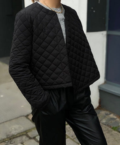 Black Quilted short Jacket size XS/S - Borninthesun