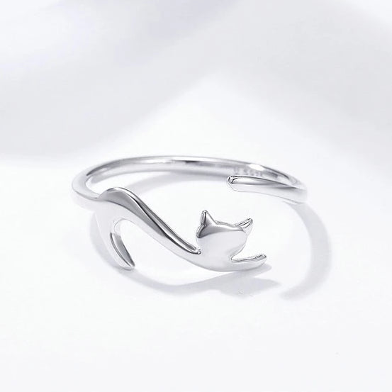 Elegant Sterling Silver Cat Ring - A Cat About Town