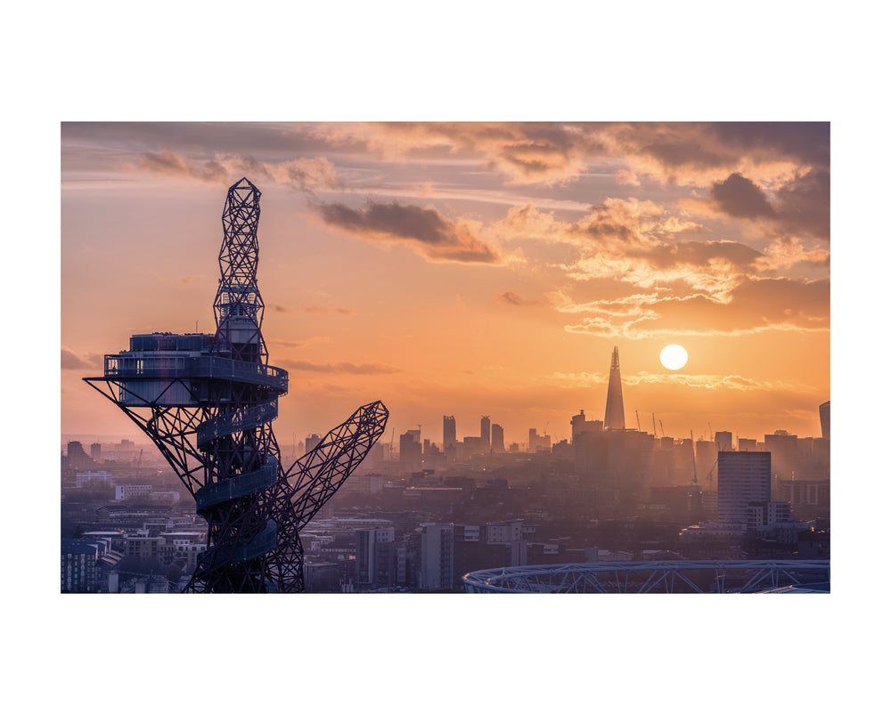 East London View Canvas Print - TMnikonian