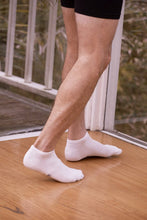 Load image into Gallery viewer, Boody Organic Eco Wear Men's Low Cut Socks - White