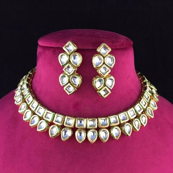 Inverted drop shape kundan necklace - Ishhaara