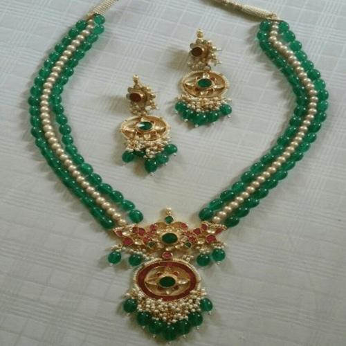 Amdavadi Kundan Necklace - Ishhaara