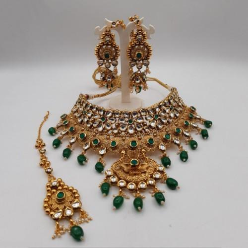 Antique Gold Kundan Choker Necklace Set