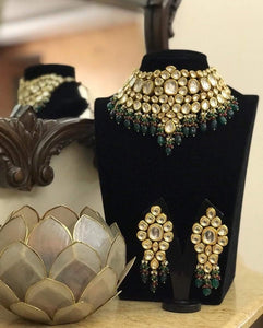 Big Kundan Necklace With Multi Beads - Ishhaara