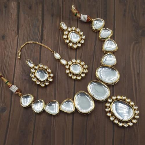 Big Kundan Simple Locket Necklace Set