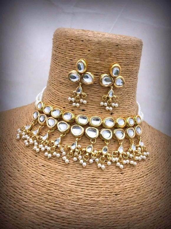 Clever Kundan With Pearls Necklace