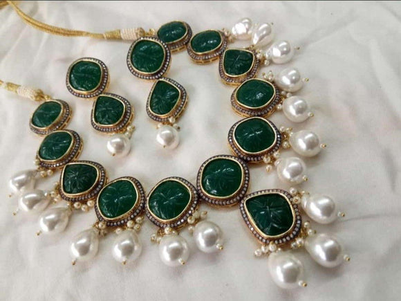Emerald Baraque Necklace
