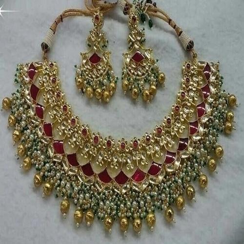 Full Patchi Kundan Red and Green Set - Ishhaara