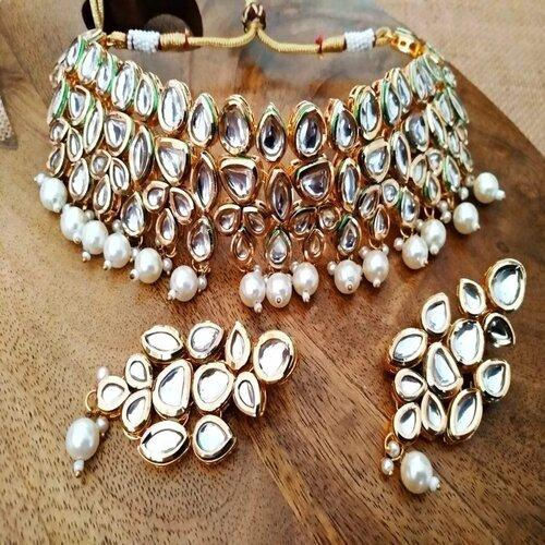 Kundan Neck Fitted Choker1