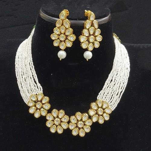 Moti Kundan Flower Necklace Set