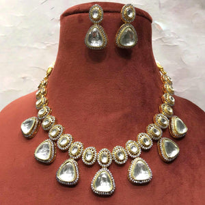 Patchi Kundan Triangular Hanging Neecklace - Ishhaara