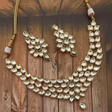 Simple Kundan Necklace Set
